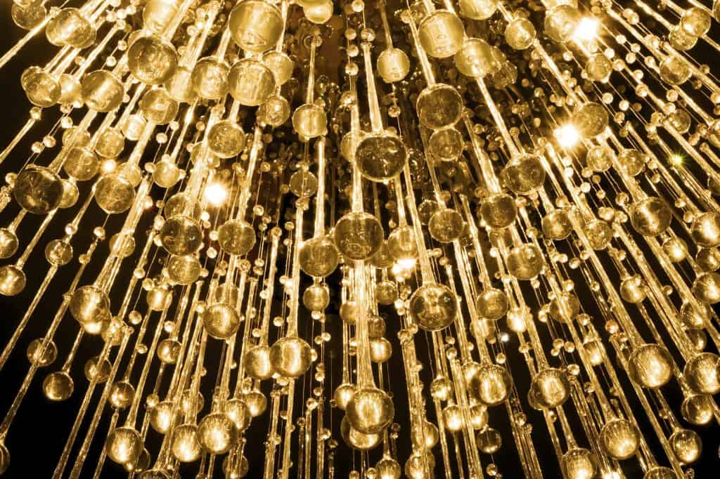 cleaning-services-crystal-chandelier